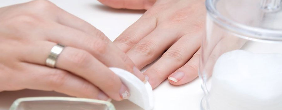 How to choose the nail polish remover